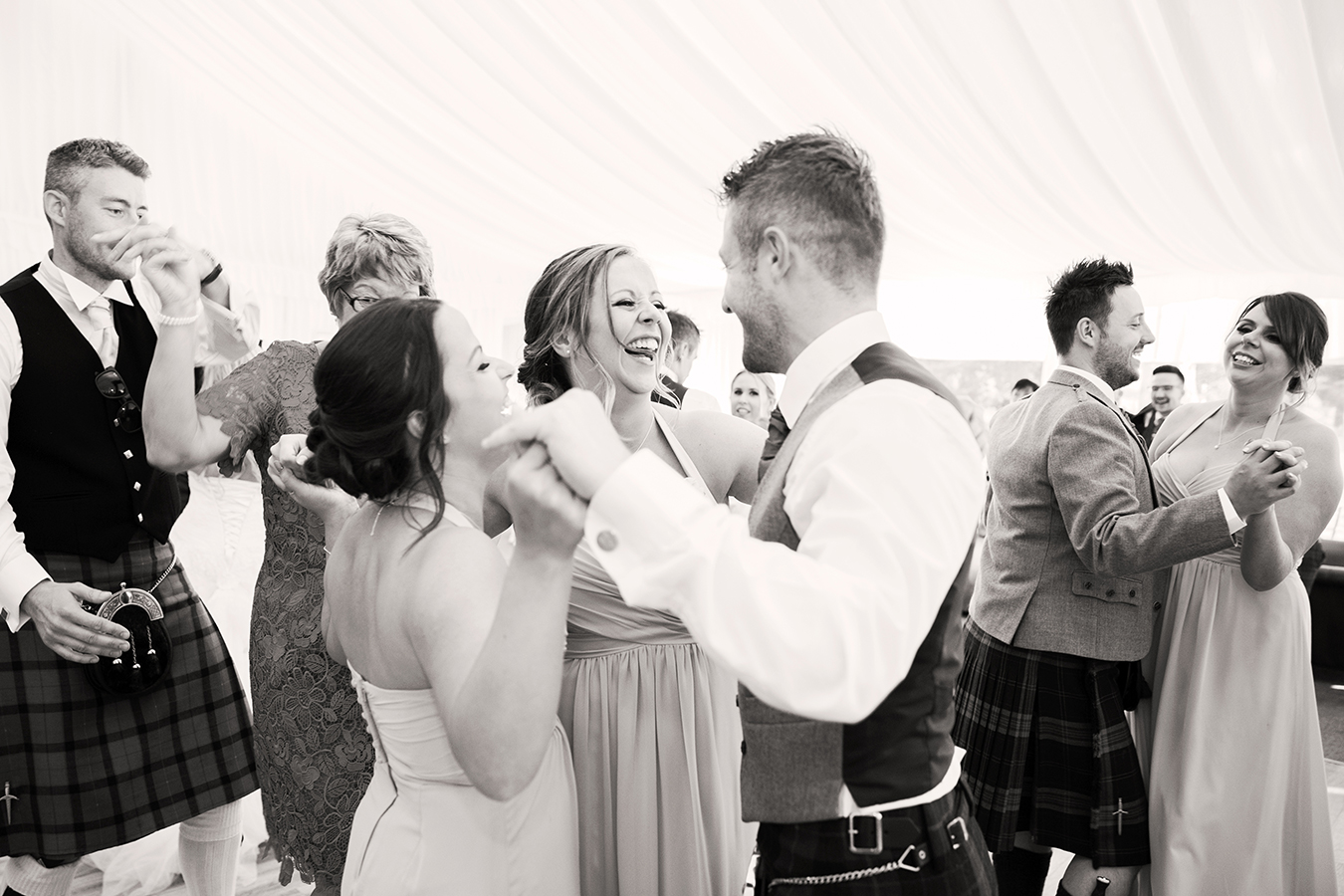 dunglass-estate-wedding-guests-dancing