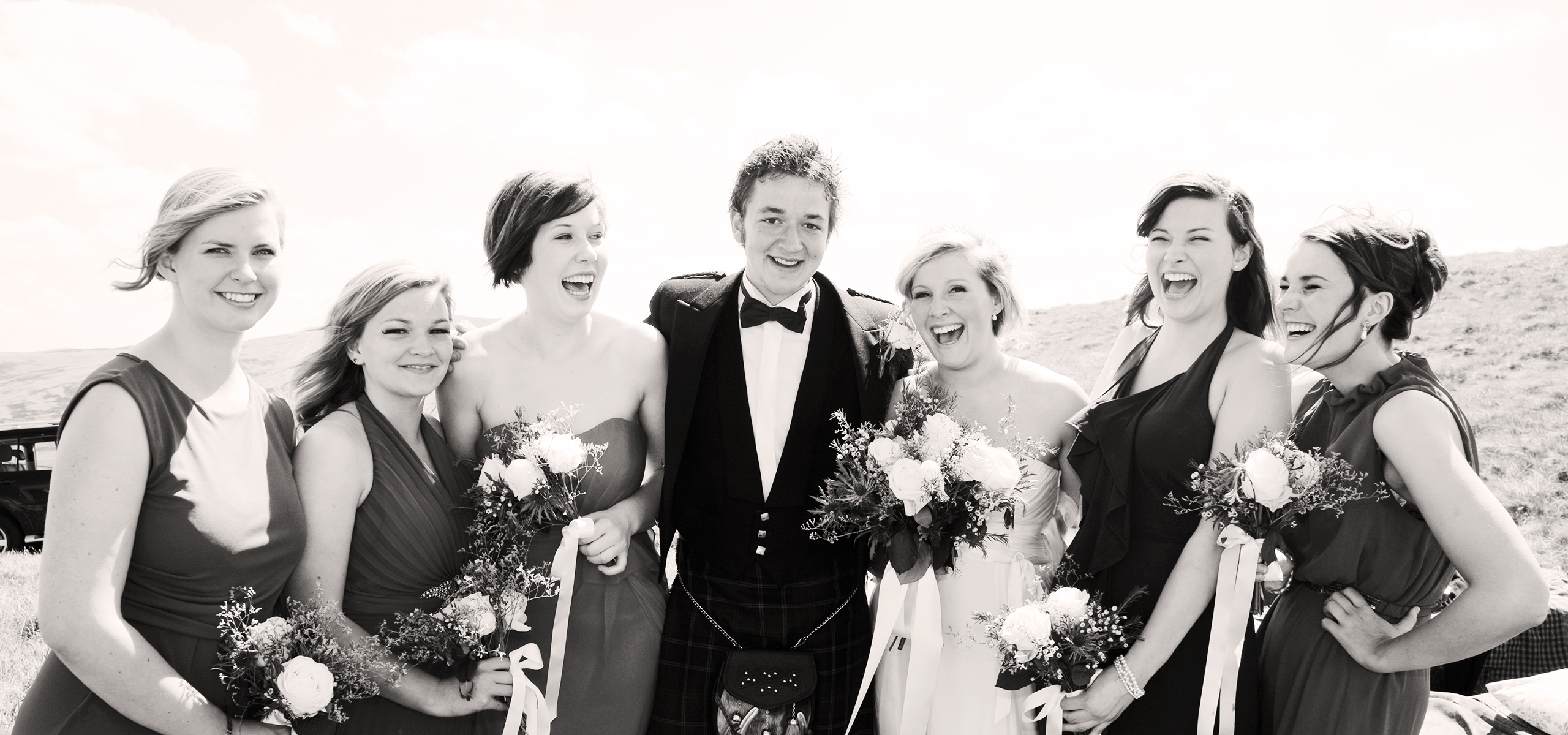 bridal-party-laughing